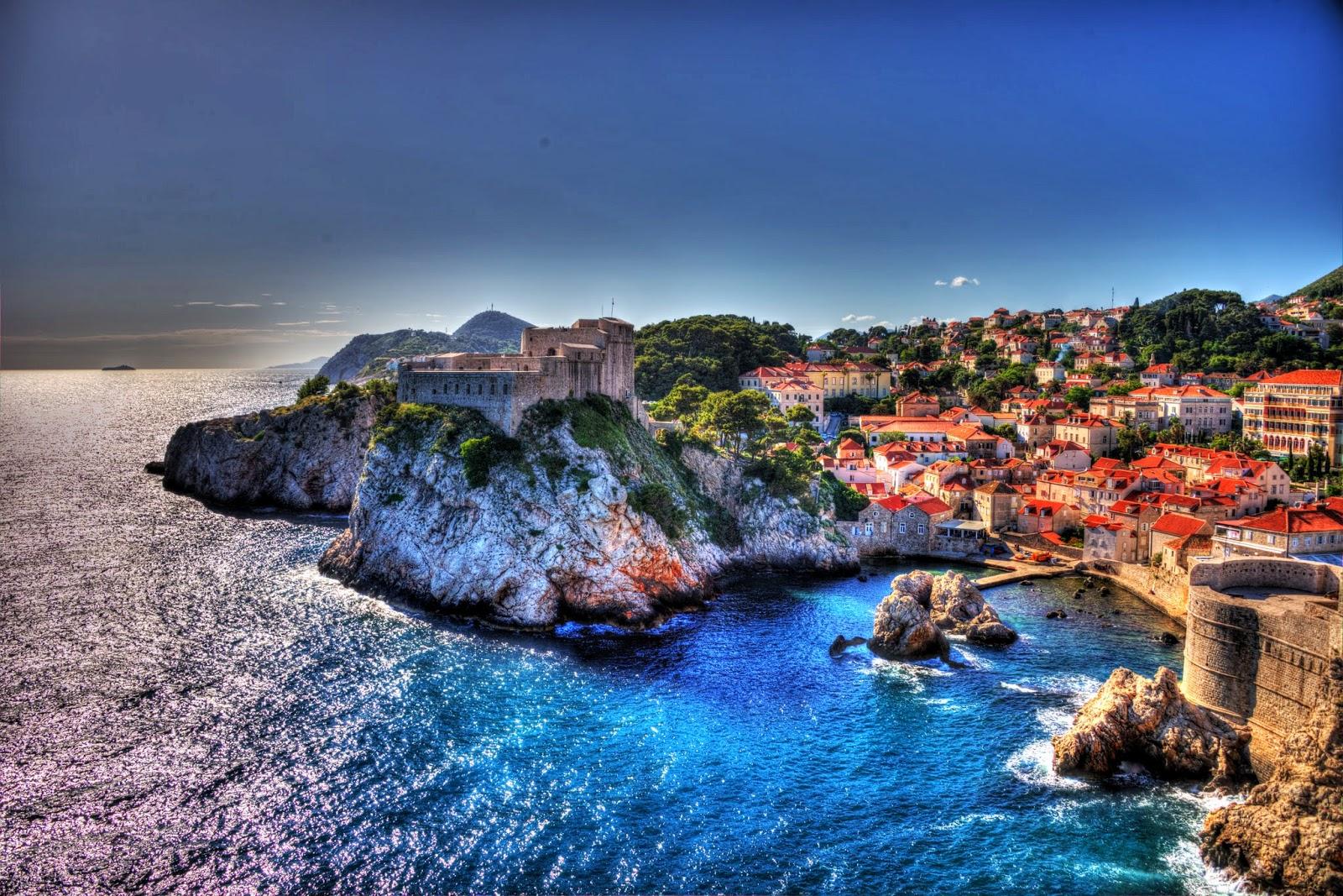 Chorvátsko - Dubrovník, hradby, more
