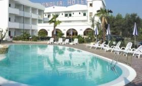 Hotel Magnolia S Bazénem – Vieste