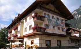Hotel Bellaria S Bazénem – Predazzo