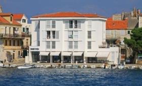 Hotel Vrilo – Triple Room S1