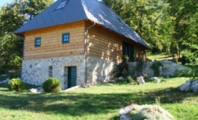 Lika House Bornstein