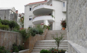 Apartment Karmen / Three Bedrooms A1