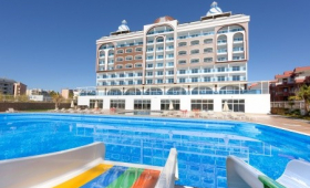 Azur Resort