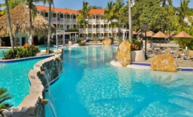 Lifestyle Tropical Beach Resort And Spa