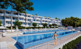 Valamar Girandella Resort – Adults