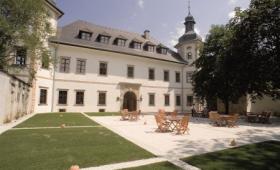 Jufa Hotel Schloss Röthestein – Aigen Bei Admont